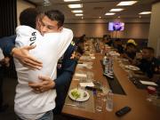 心系國家隊,內馬爾探班巴西隊訓練營,與隊友、教練寒暄