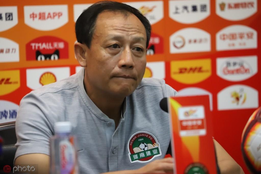 王宝山:上半程的联赛非常艰苦;感谢球迷不离不弃的支持