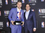 皇马官推祝贺东契奇获得NBA最佳新秀:真高兴能看到你长大了