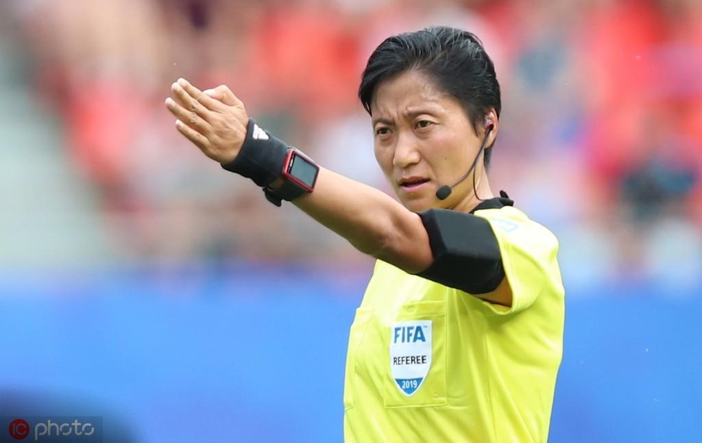 女足裁判秦亮:为了入选两届世界杯,我一直在进行体能训练