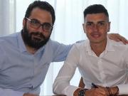 官方:巴萨B队前锋拉法-穆希卡加盟利兹联,签约