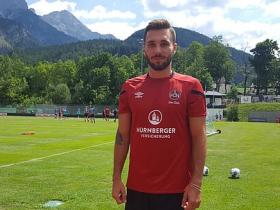官方:纽伦堡签下弗赖堡前锋施罗伊塞纳