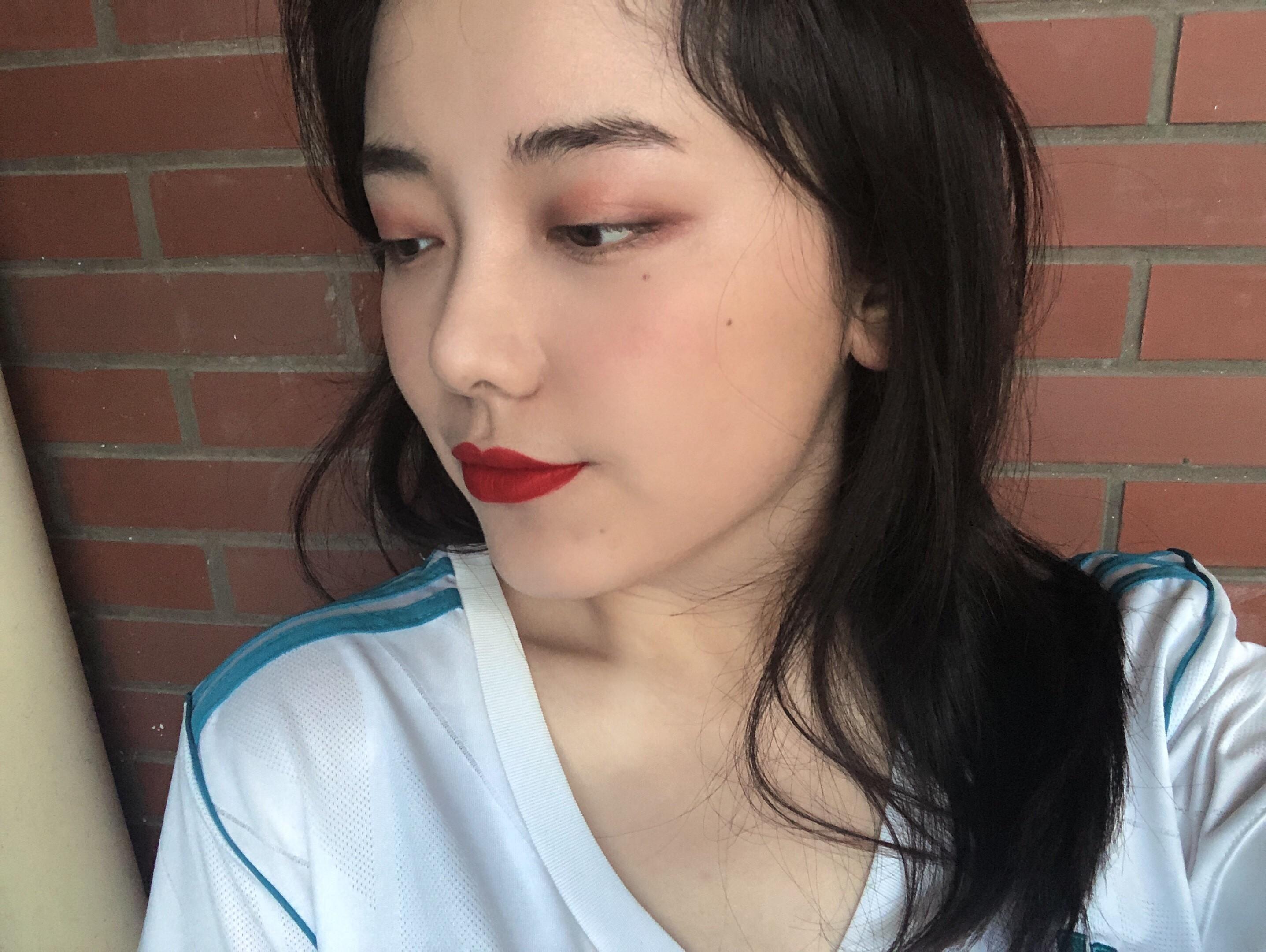 女球迷采访:C罗迷妹阿楠,周日晚7点她将做客你懂直播间~