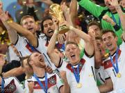 小猪发文回忆:5年前夺世界杯冠军和3年前的婚礼都是7月13日
