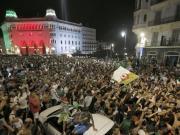 阿尔及利亚杀进非洲杯决赛,球迷欢庆时遭遇车祸导致5人丧生