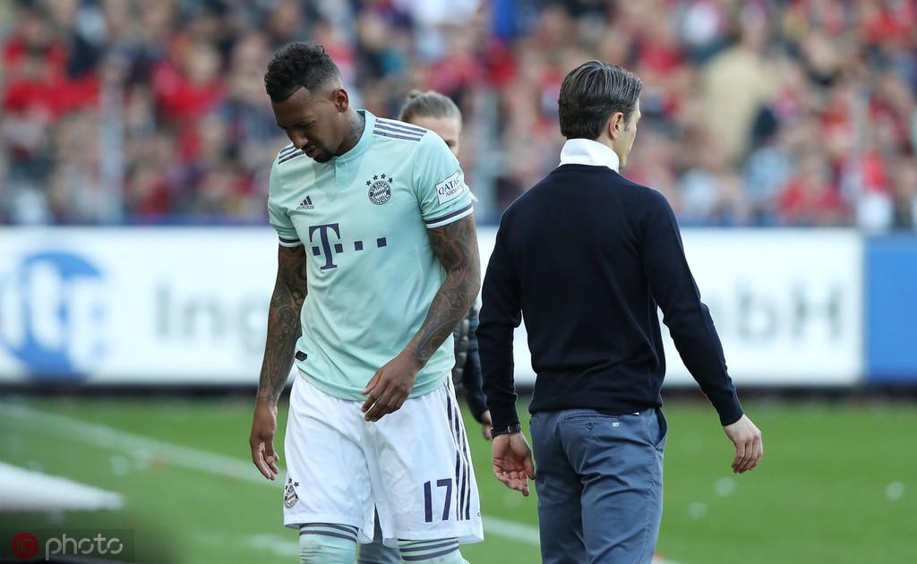 法国足球:博阿滕仍想去巴黎,他愿意接受降薪