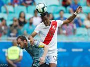 秘鲁国脚塔皮亚经纪人:我的球员收到了来自中国的报价