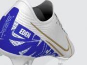 阿扎尔蓝色球鞋引起球迷关注,车迷:他没有忘记蓝军