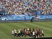 阿斯:12000人观看皇马公开训练,拉莫斯缺席