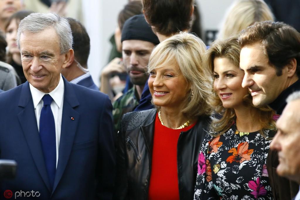 记者:LV集团董事长、全球第二大富豪阿尔诺有意收购AC米兰