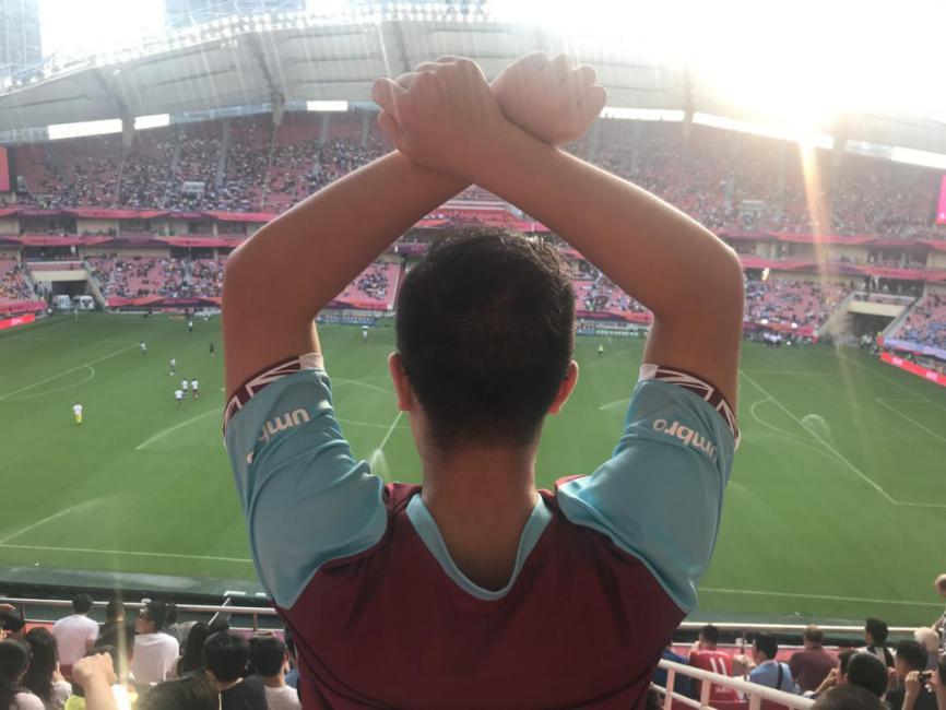 街访英超亚洲杯:在自家主场看英超是种怎样的体验? — 狼队