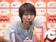 李铁:很幸运拥有可爱忠实的武汉球迷;对客场拿一分感到高兴