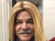 改变形象,哥伦比亚名宿巴尔德拉马把头发烫直了