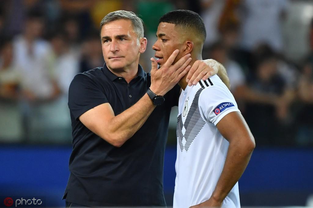 踢球者:RB莱比锡也想要摩纳哥后卫亨里希斯