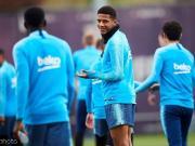 法国足球:米兰可能租借巴塞罗那后卫托迪博