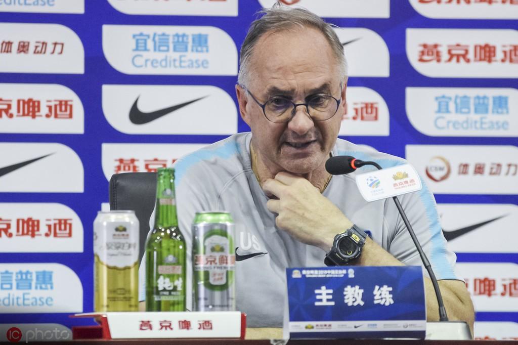 施蒂利克:阿奇姆彭不会登场,杯赛晋级对我们也很重要