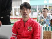 記者:呂文君還沒有完全痊愈,他本場比賽戴著護具出場