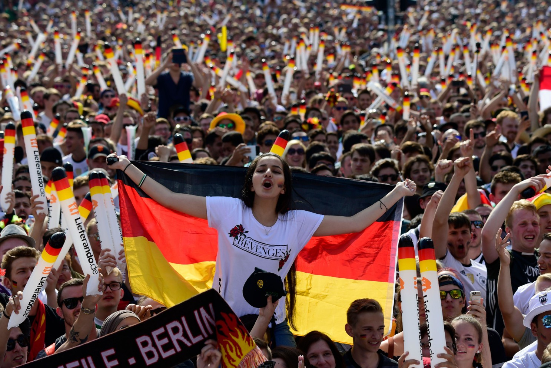 足球音乐节:2006年德国世界杯后大热的歌曲《Deutschland》