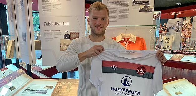 官方:纽伦堡签下前沙尔克中场盖斯