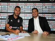 官方:贝西克塔斯签下比利亚雷亚尔后卫维克托-鲁伊斯