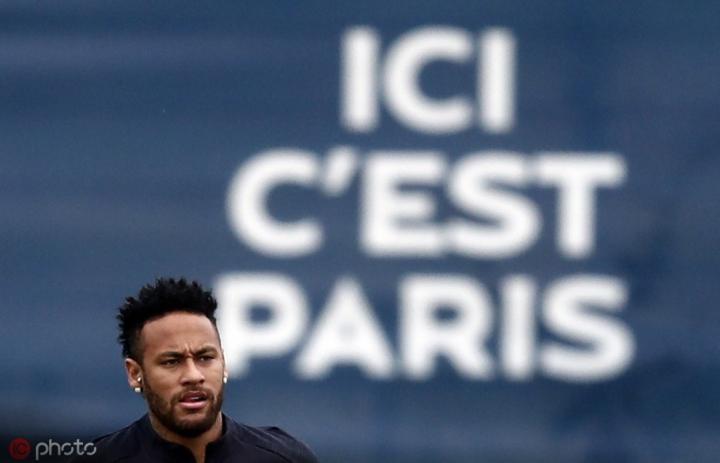 队报:内马尔与巴黎关系缓和,莱昂纳多此前与他重新有了交流