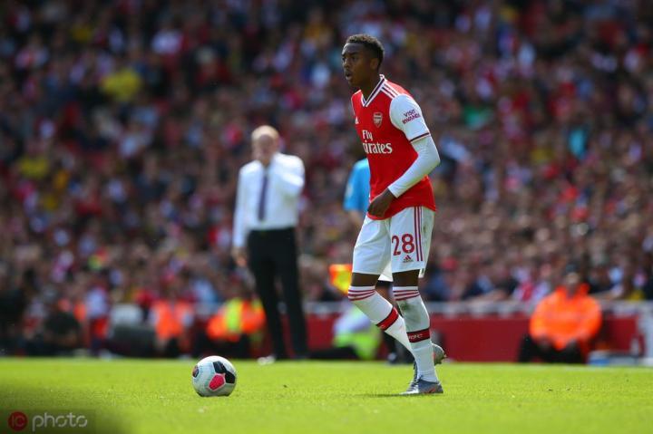 威洛克:为阿森纳踢球一直是我的梦想;永贝里让我得到提高