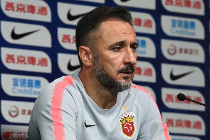 佩雷拉:要把精力转移到联赛和亚冠中;输球不能只怪外援