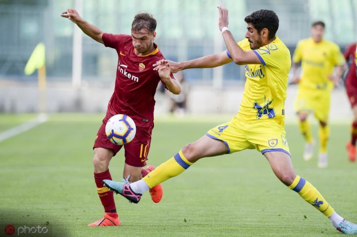 足球市场:尤文还在关注罗马的新星里卡尔迪
