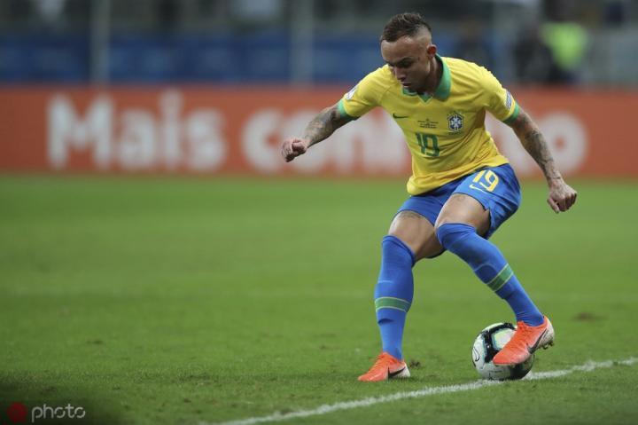 马卡电台:深入谈判,马德里竞技想要巴西国脚埃弗顿