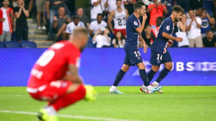 图卢兹4球惨败巴黎,但图卢兹门将雷奈却在Whos...