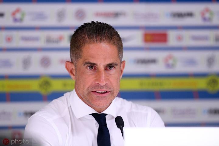 里昂主帅西尔维尼奥谈分组:能参加欧冠的球队都很优秀