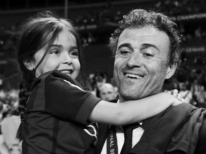 为纪念恩里克年仅9岁去世的女儿Xana Mart...