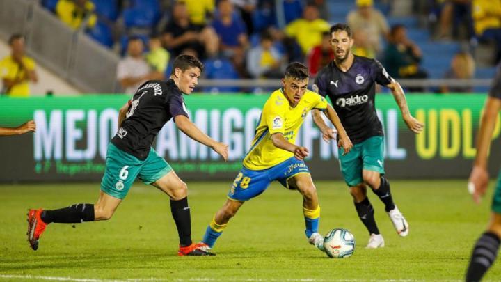 马卡:巴萨签下拉斯帕尔马斯16岁小将,球员仍留在原队效力