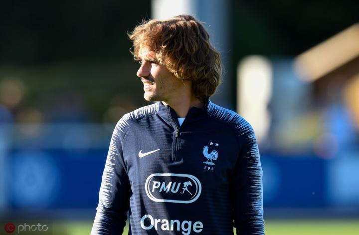 队报预测法国队首发:姆巴佩缺阵,格列兹曼出任前腰