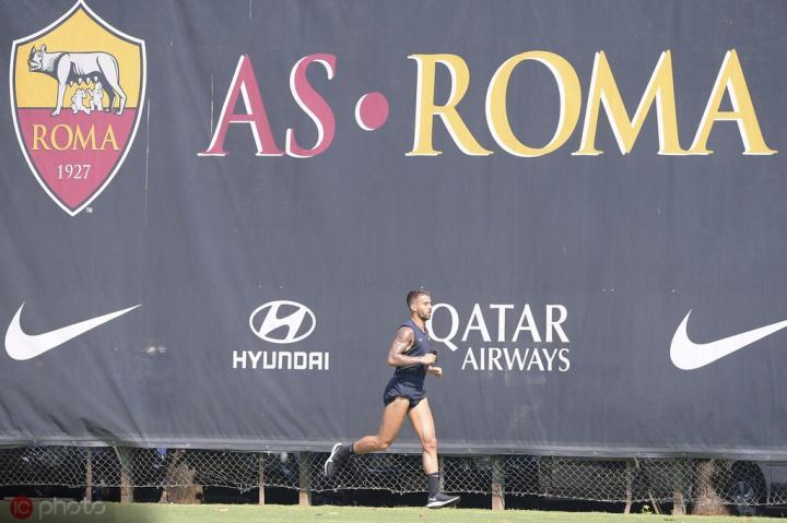 足球市场:斯皮纳佐拉参加罗马全队合练,本周末可能复出