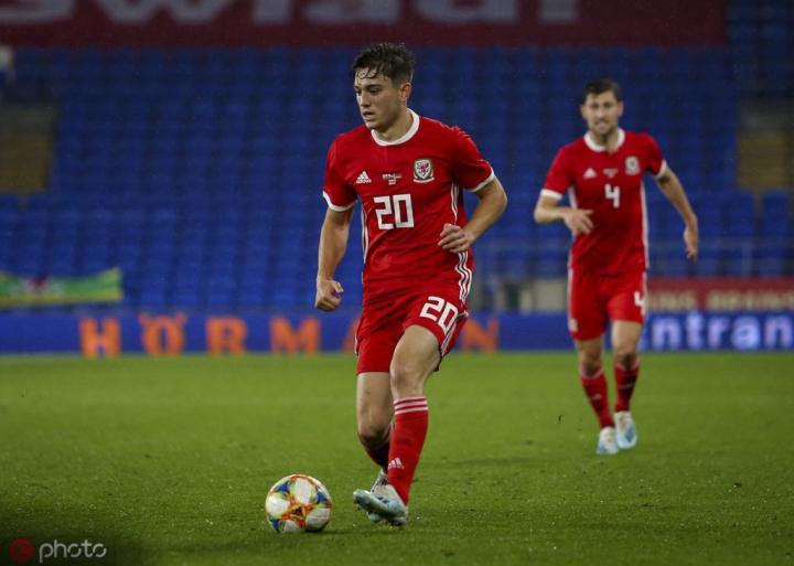 詹姆斯被撞晕后威尔士教练组仍派其回到场上,遭梅森批评