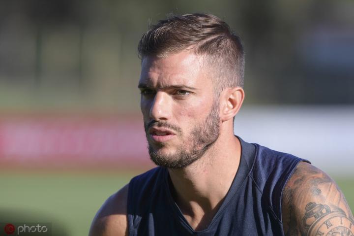 足球市场:桑顿可能在明年一月离开罗马