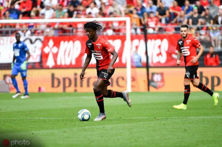 足球市场:米兰看上雷恩16岁新星卡马文加