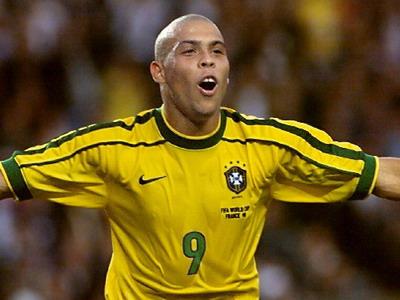 历史上的今天:巴西著名球星罗纳尔多出生。罗纳尔多...