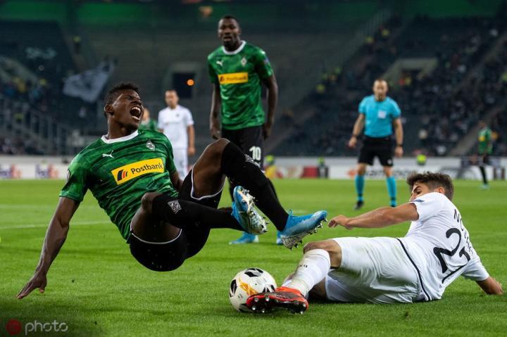 欧联首轮综述:门兴主场0-4惨败奥超队,狼队、拉齐奥开门黑