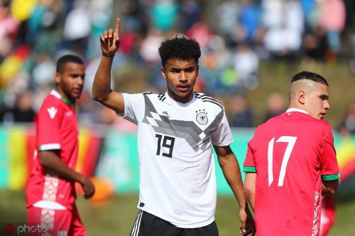 阿德耶米:我是多特球迷,希望多特夺冠终结拜仁对德甲的统治