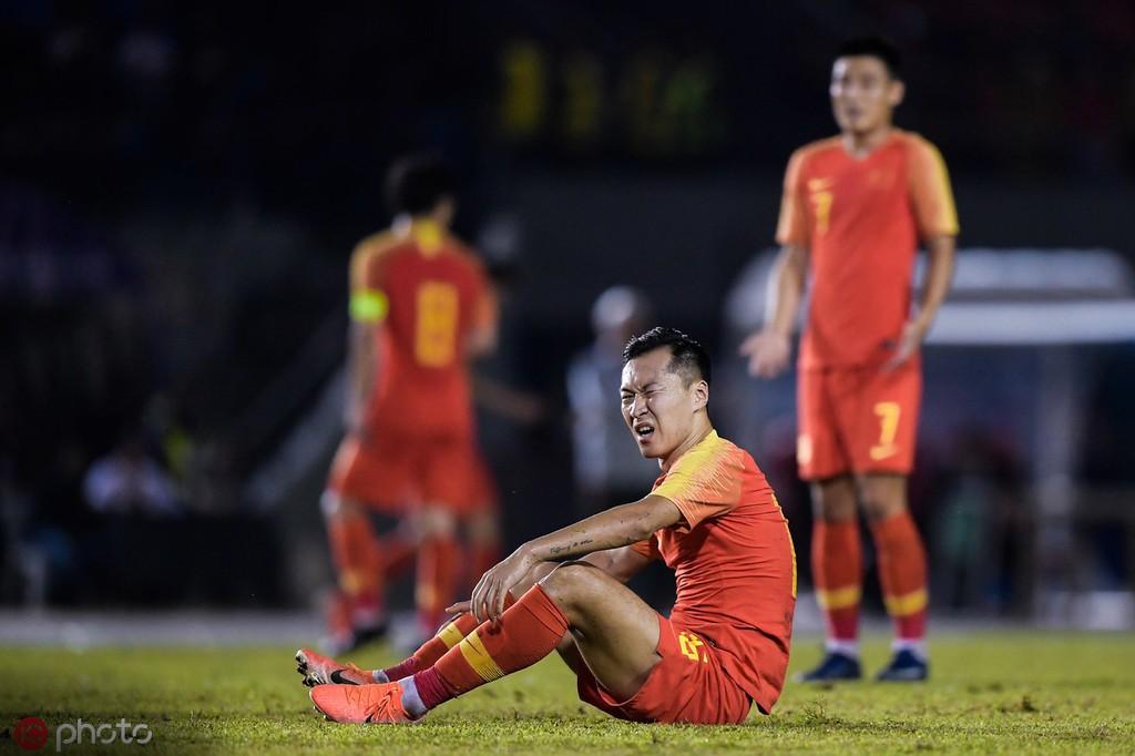 记者:吉翔谢鹏飞正常参加了球队训练,吴曦自行训练恢复身体