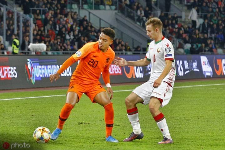 每体:巴塞罗那将荷兰国脚马伦视为头号引援目标