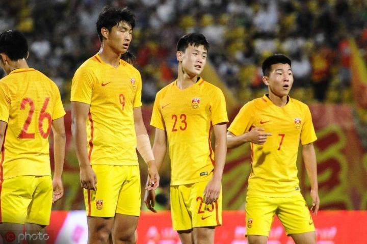 中国U19友谊赛半场0-3落后印尼U19,仅完成一次射门