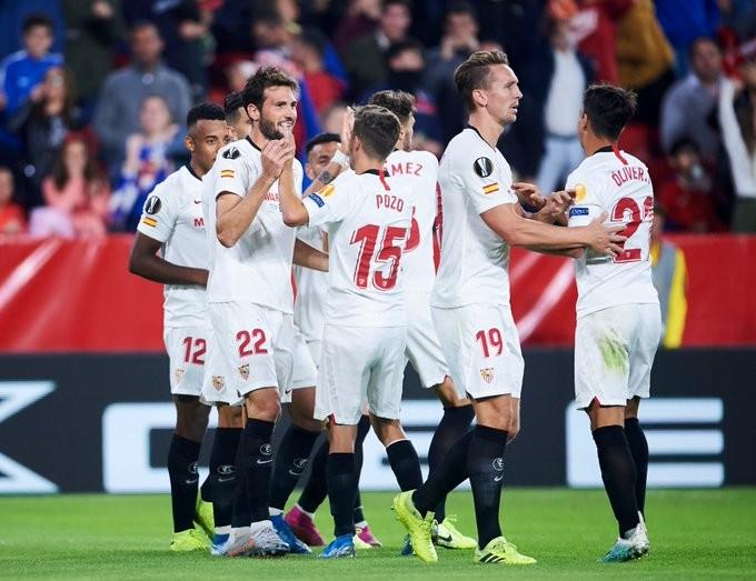 三轮战罢,塞维利亚和曼联是欧联杯小组赛仅剩的零封球队