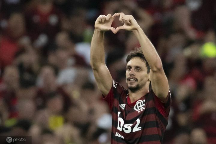 世界体育报:巴塞罗那想要巴西国脚埃弗顿和卡约