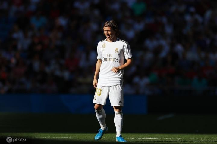 世体:不续约,莫德里奇将在明年夏天离开皇家马德里