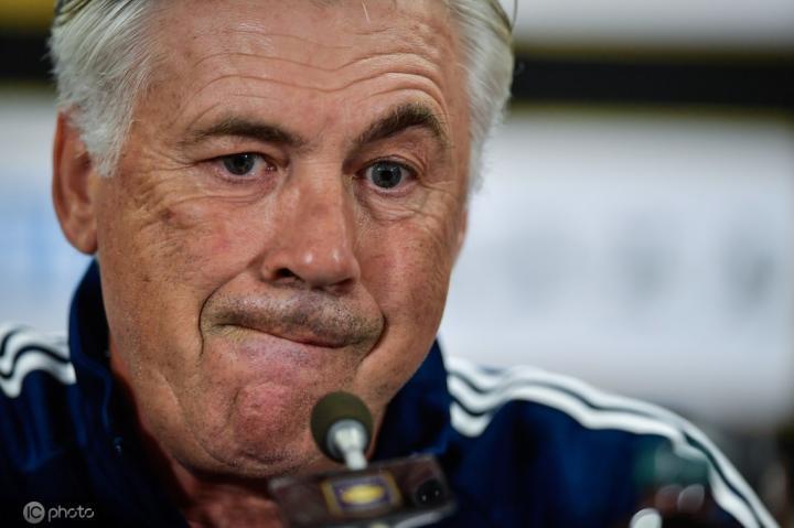 20年来首次,德甲9轮即将战罢还没有教练下课