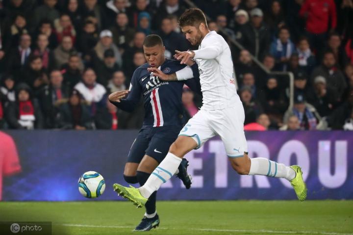创造历史,巴黎圣日耳曼首次对马赛半场打进2球以上