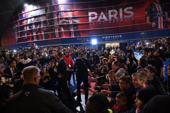 图集:巴黎4-0击败马赛,七龙珠Tifo致敬联赛冠军